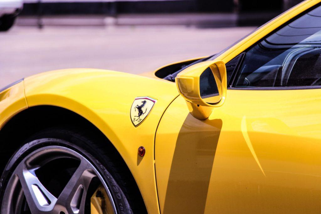 Ferrari auto deportivo