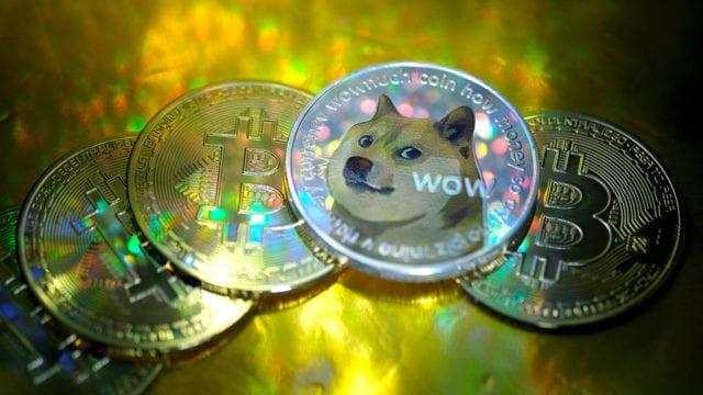 Dogecoin y Bitcoin