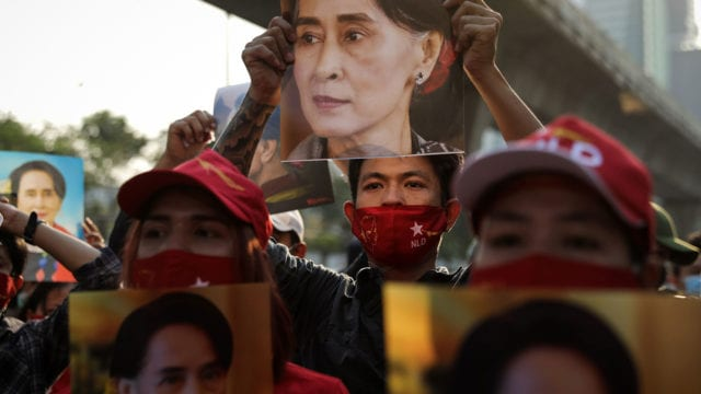 Golpe de Estado Protest At Myanmar Embassy In Bangkok After Coup