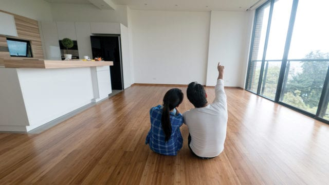 Pareja en su nuevo hogar ( P-W febrero pag. 56-57 )