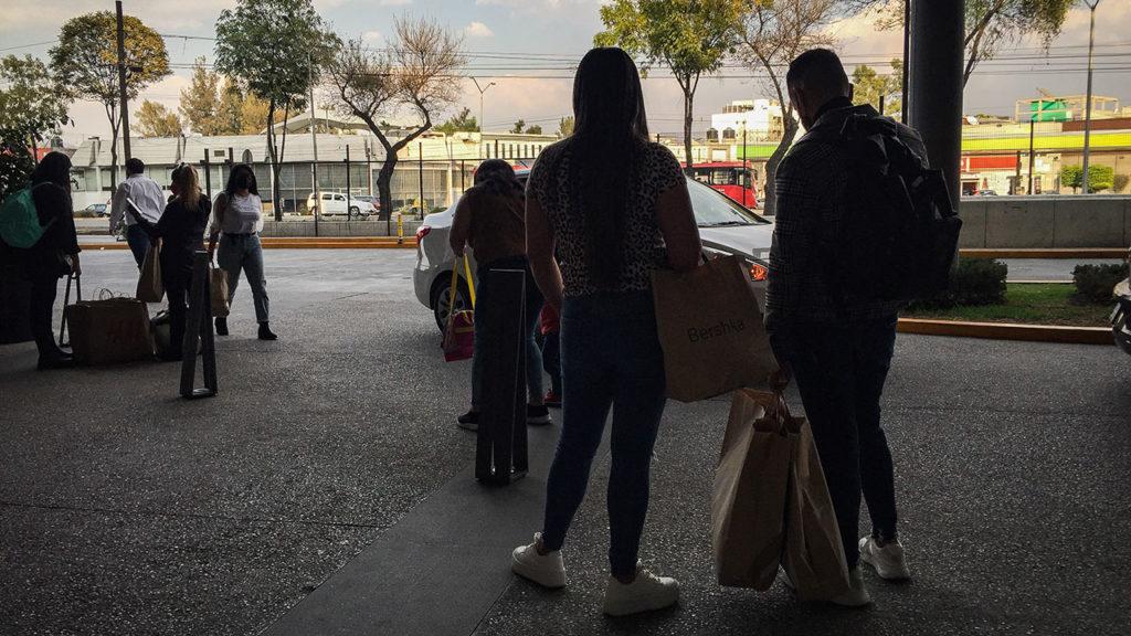 Reapertura-de-plazas-comerciales-en-semaforo-rojo-9