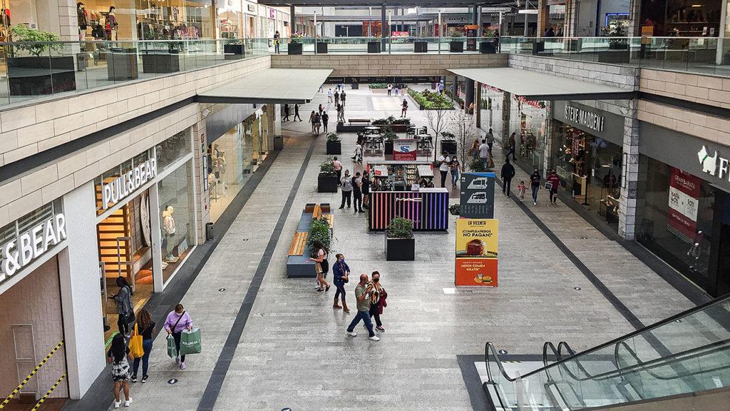 Reapertura-de-plazas-comerciales-en-semaforo-rojo-6