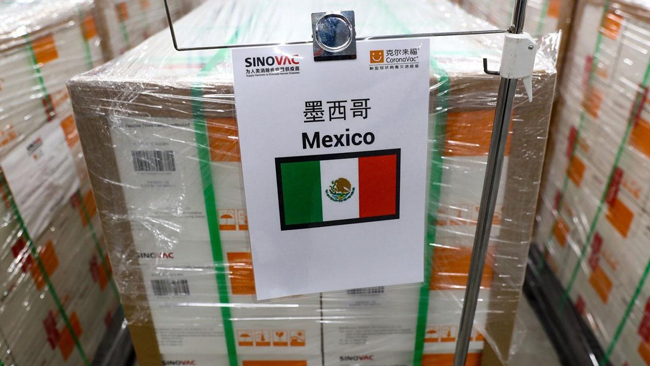 Llegarán 800 mil vacunas de Sinovac a México el sábado