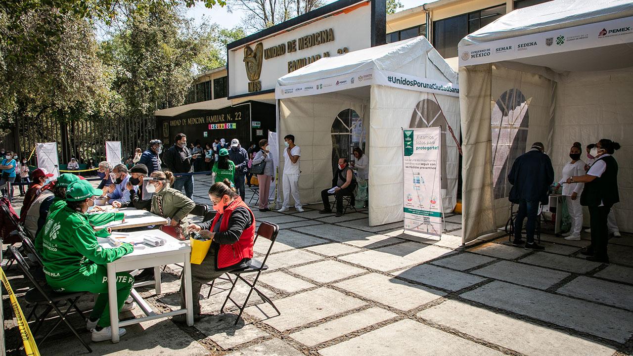 Vigilan vacunación en CDMX para evitar proselitismo electoral
