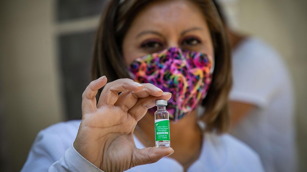 BID da nuevas garantías de crédito para que países en desarrollo puedan comprar vacunas