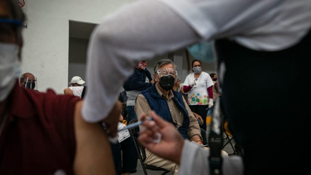 Vacunacion Covid19 adultos mayores Ecatepec 7