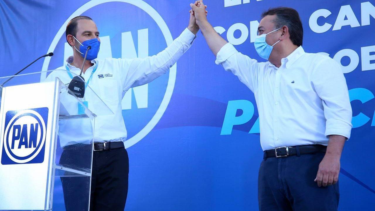 Francisco Pelayo obtiene constancia de candidato del PAN para BCS