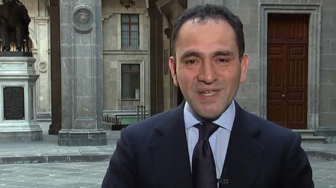 Con sonrisas, Herrera acusa falta de preparación de la Auditoría Superior