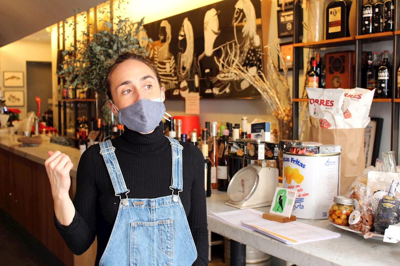 Trabajadores de restaurantes en NY, listos para recibir la vacuna