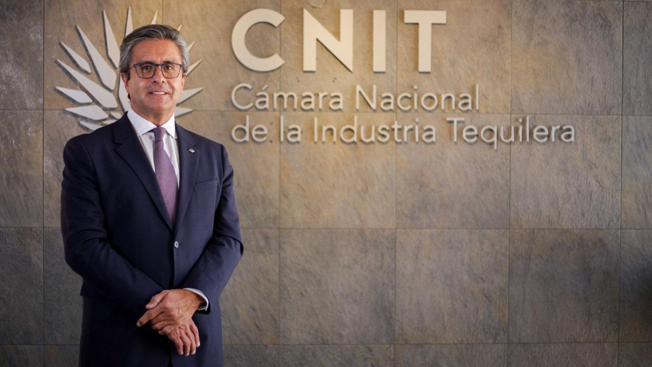 Luis Fernando Félix Fernández, nuevo presidente de la Cámara Nacional de la Industria Tequilera