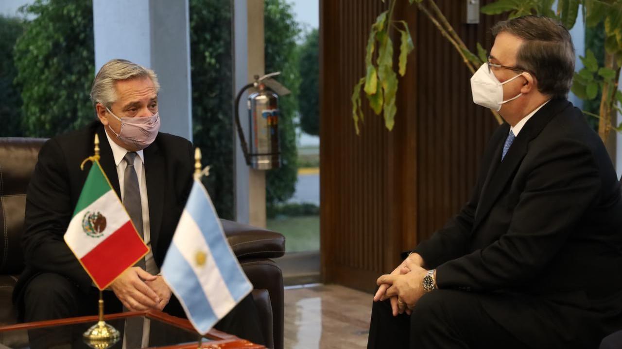 Presidente de Argentina llega a México para reforzar alianza