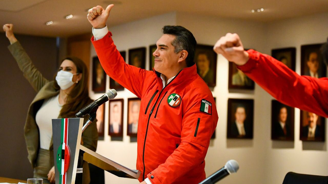 Dirigentes del PRI se 'apañan' primeros lugares de diputaciones plurinominales
