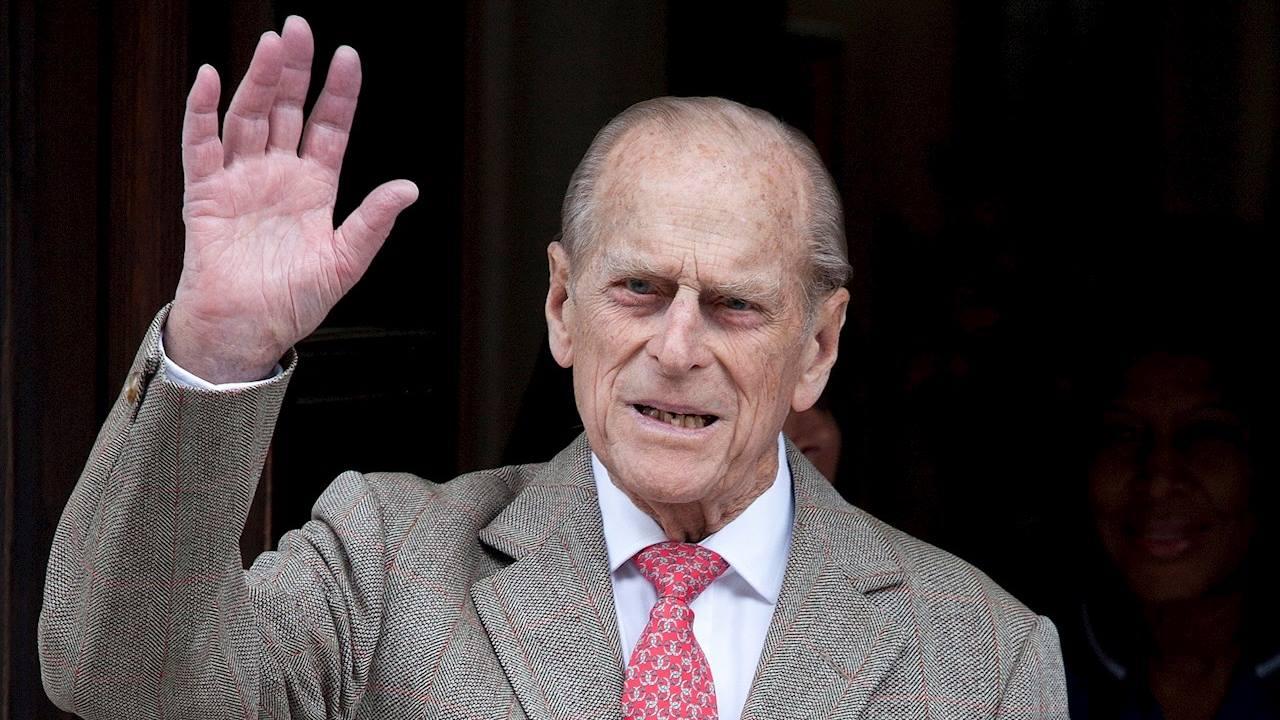 Príncipe Felipe de Reino Unido continuará hospitalizado