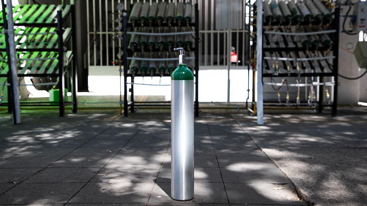 CDMX e Infra instalan centro de recarga de oxígeno medicinal más grande del país