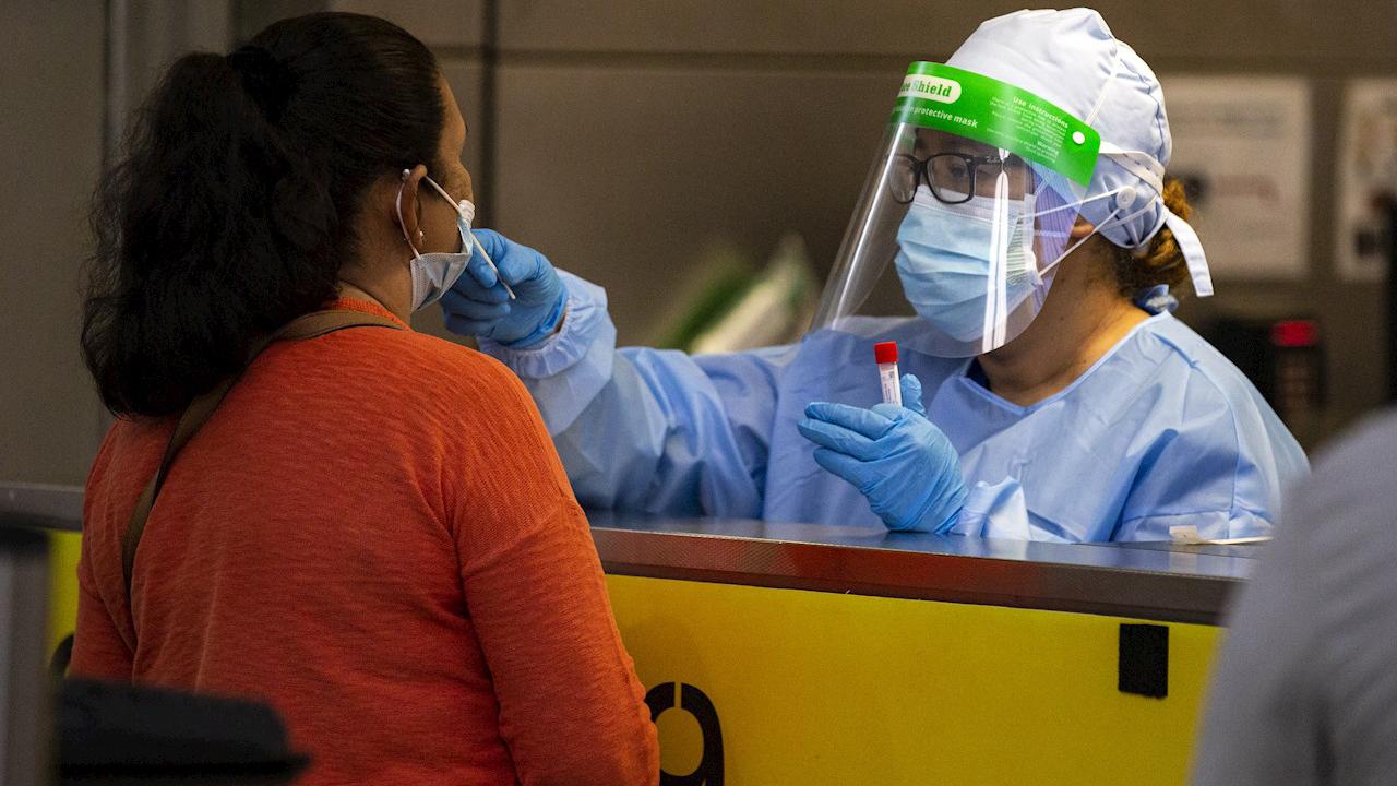 Detectan nueva variante de coronavirus en el sur de California