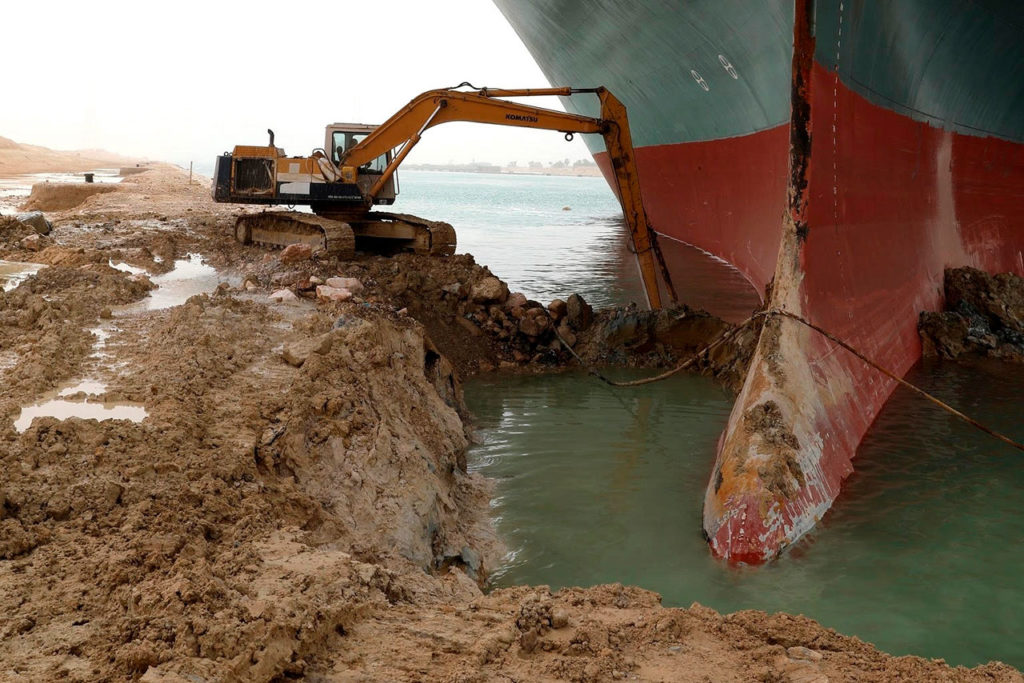 Suez Canal navigation is temporarily suspended