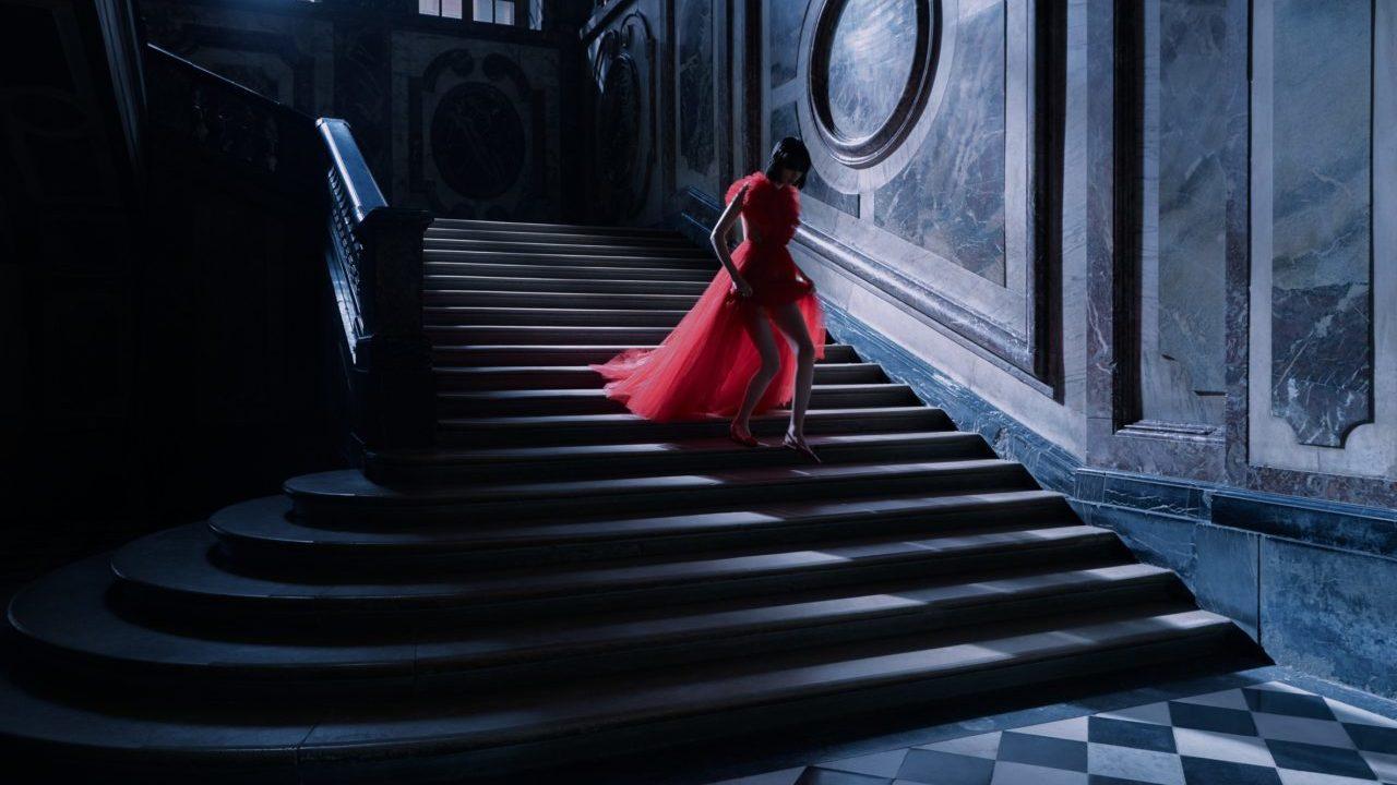 Dior evoca un mundo de fantasía en el Palacio de Versalles