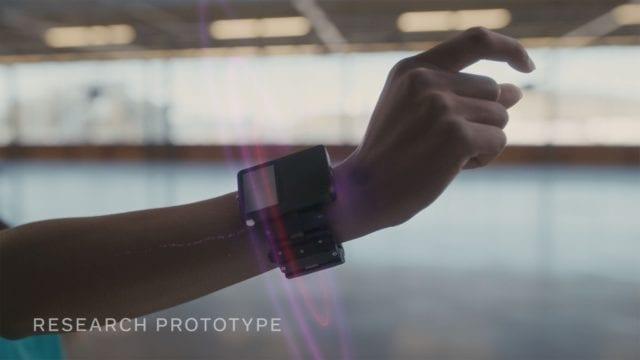 Olvídate del mouse y el teclado, el control del futuro son tus muñecas: Facebook