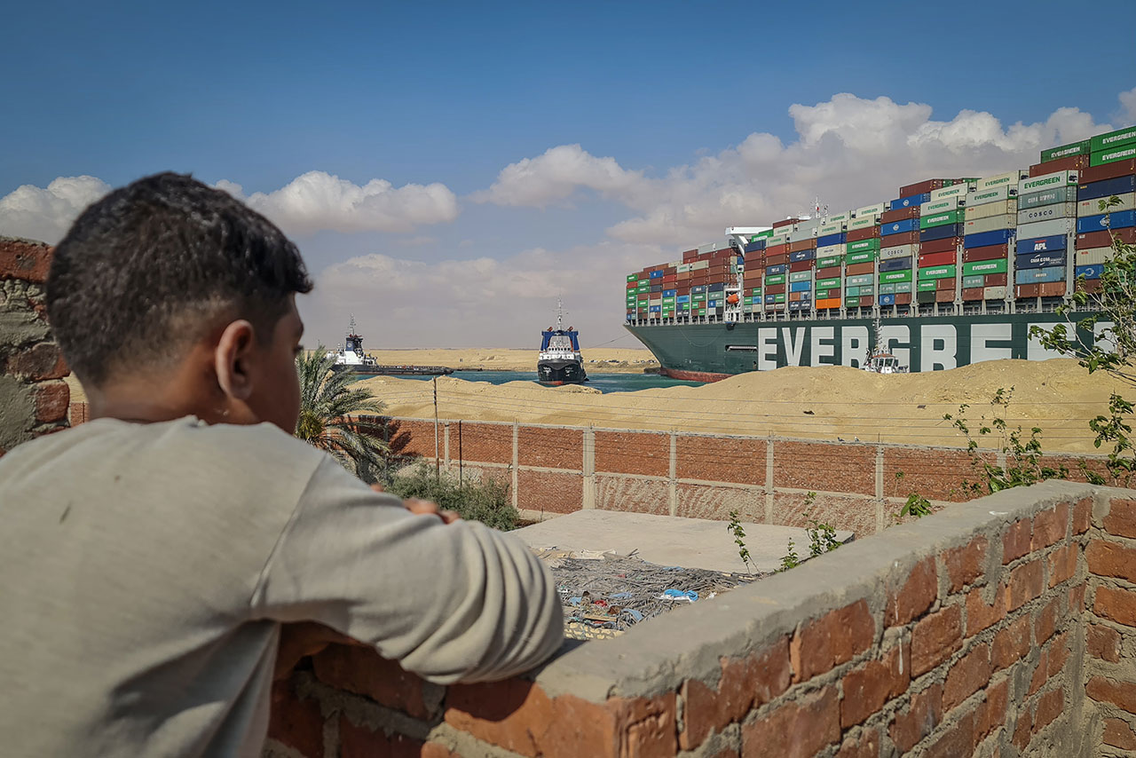 Canal de Suez afirma alcanzar ingresos récord pese al bloqueo del Ever Given