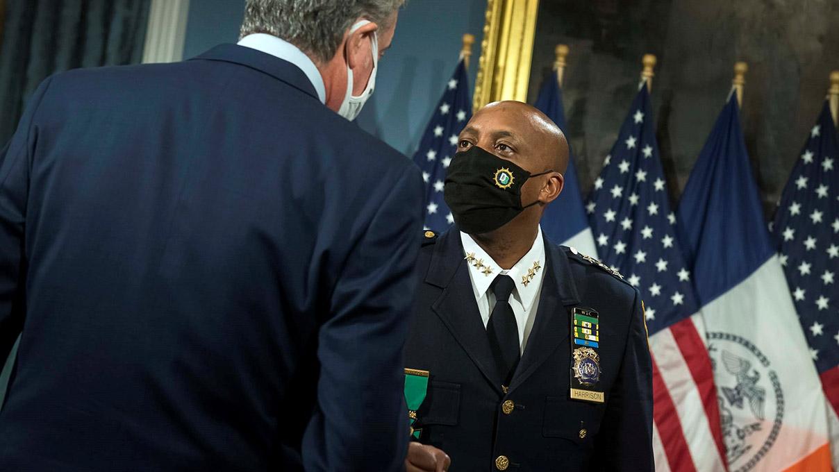 Nueva York anuncia reformas para eliminar 'prácticas racistas' en la policía