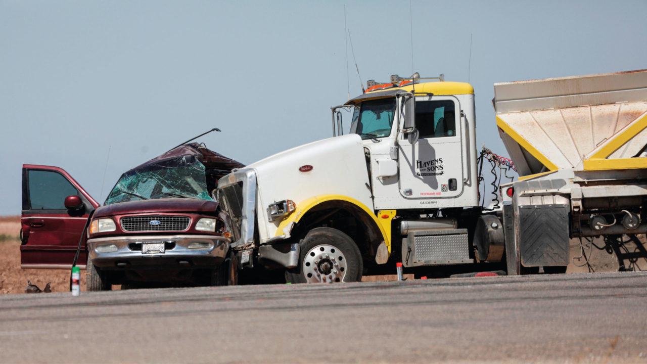 SRE confirma muerte de 10 mexicanos en accidente en California