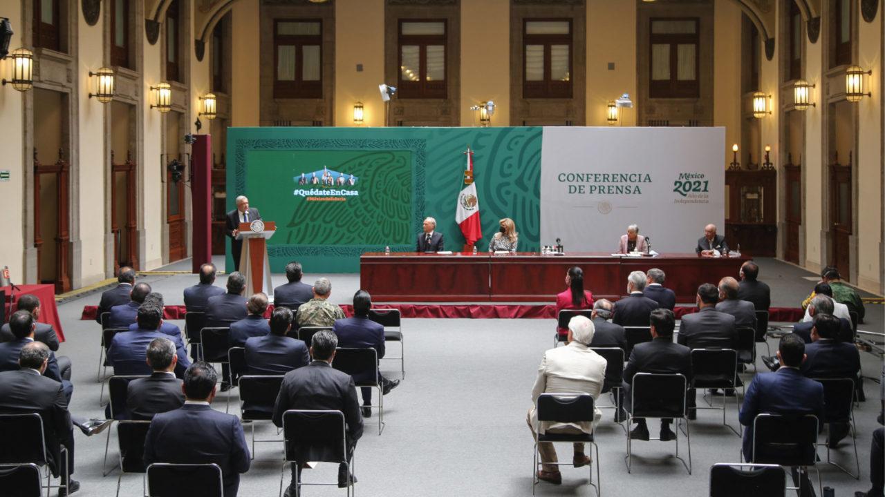 AMLO y gobernadores firman acuerdo para no interferir en elecciones