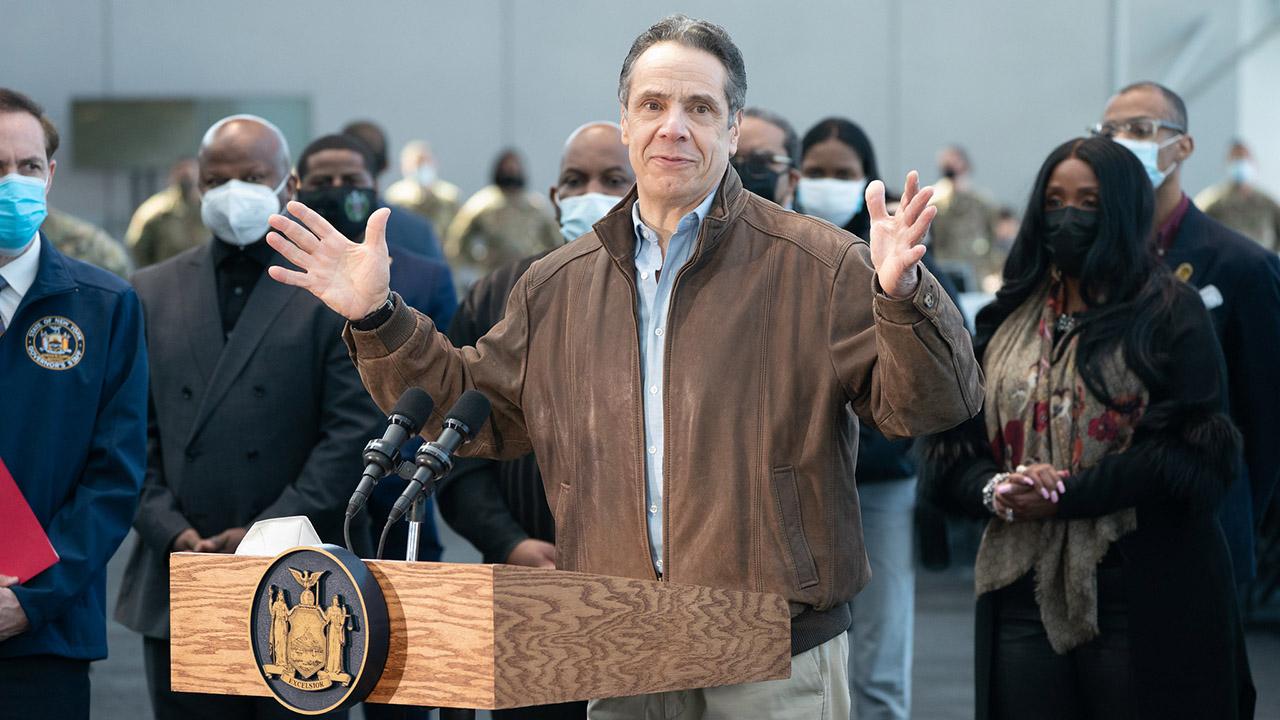 Gobernador de Nueva York  acosó sexualmente a varias mujeres: Fiscal