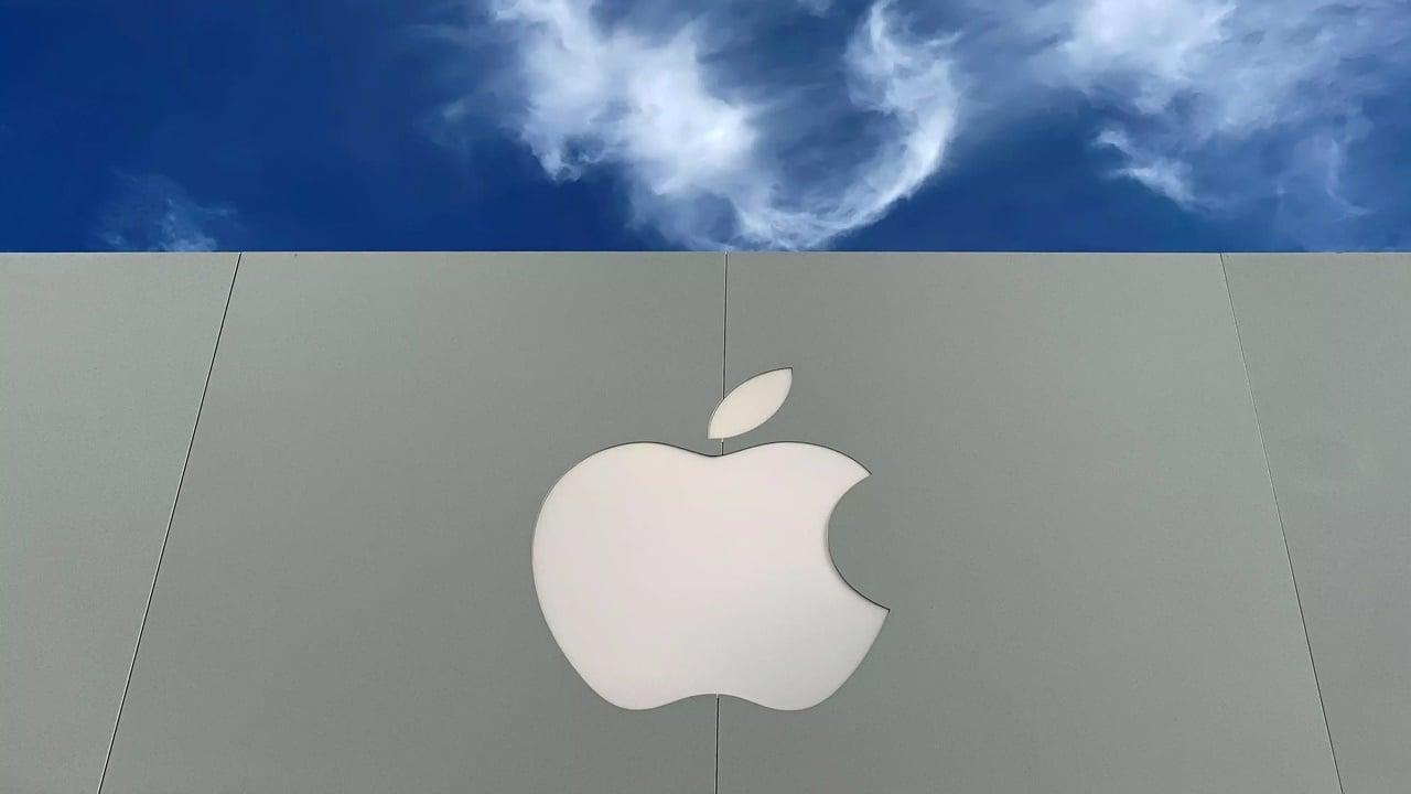 Apple quiere terminar con la  intermitencia de la energía solar con baterías