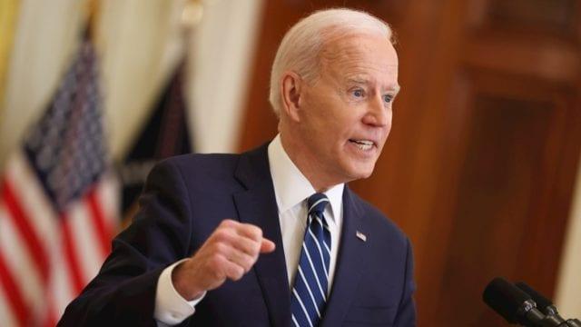 La aprobación de Biden se hunde en medio de preocupaciones por la pandemia