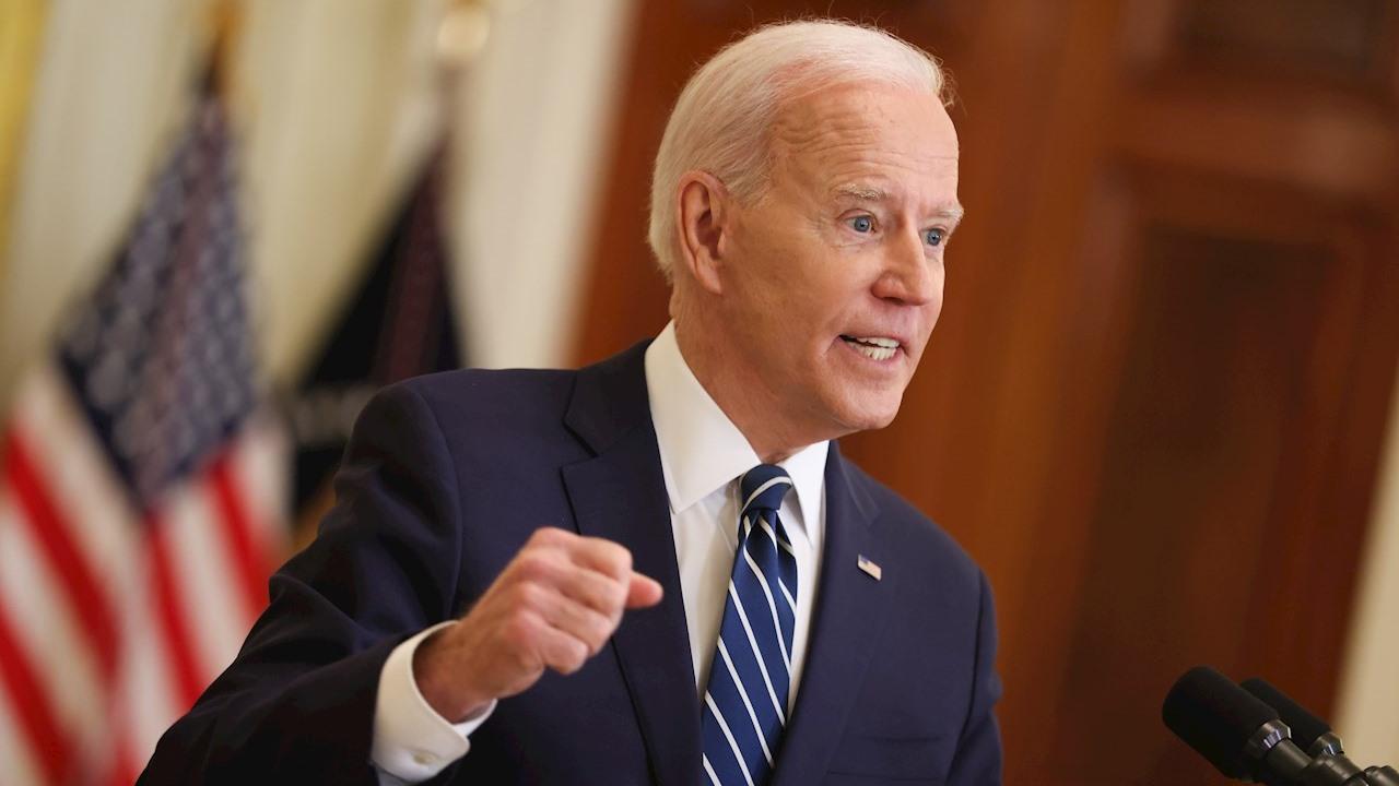 EU compartirá vacunas con otros países a partir del verano, dice Biden