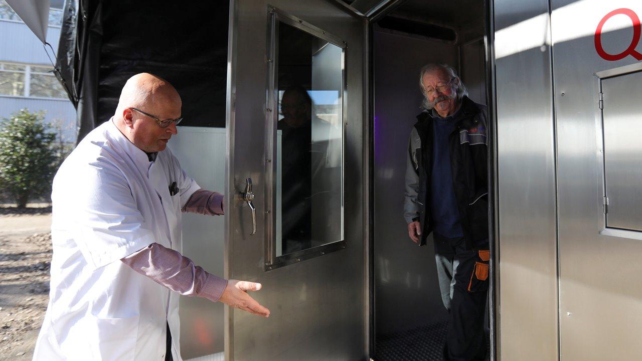 Nueva prueba de Covid-19: no más hisopos, basta con cantar en una cabina