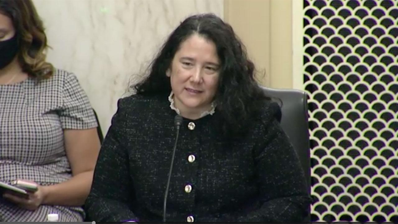 Senado de EU confirma a Isabel Guzmán, única mujer latina del gabinete de Biden