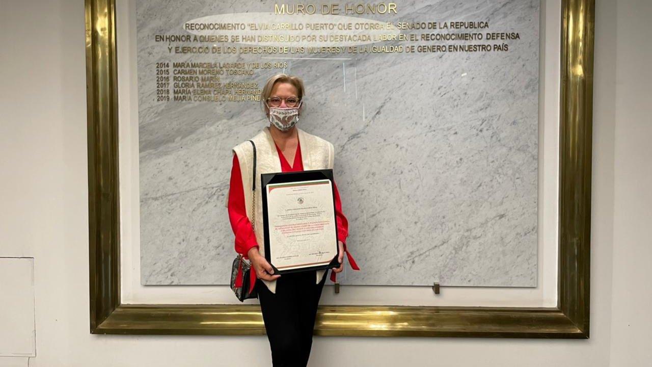 Ratifican como embajadora a González-Blanco, la extitular de Semarnat que retrasó un avión