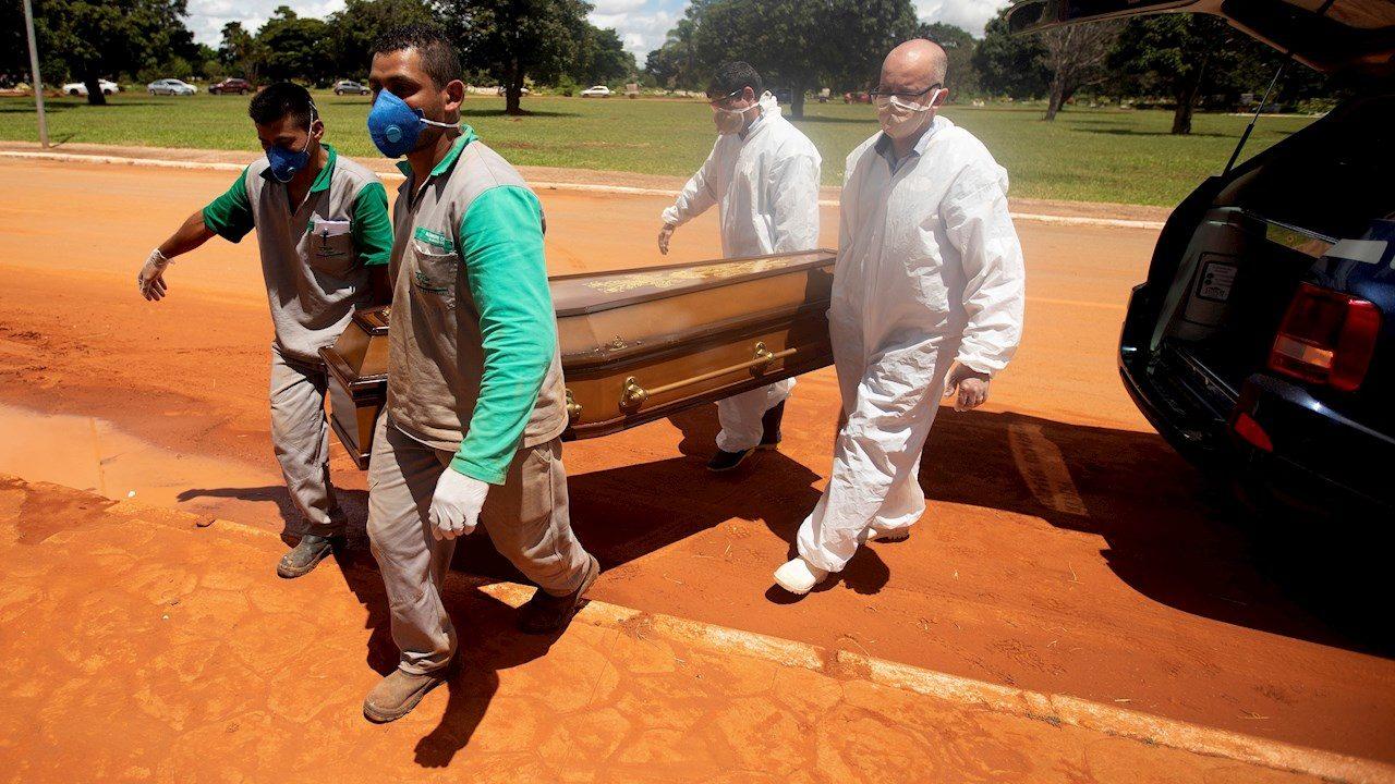 Brasil supera récord diario al registrar más de 4,000 muertes por Covid-19