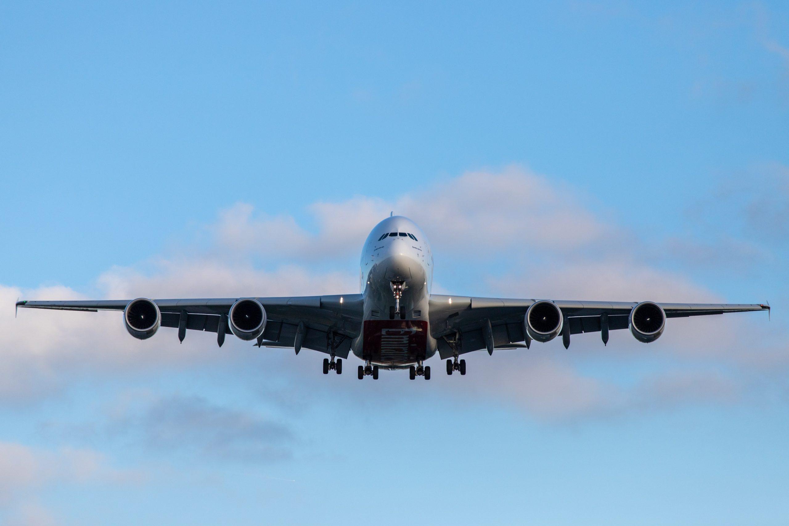 Argentina suspende vuelos con Brasil, Chile y México