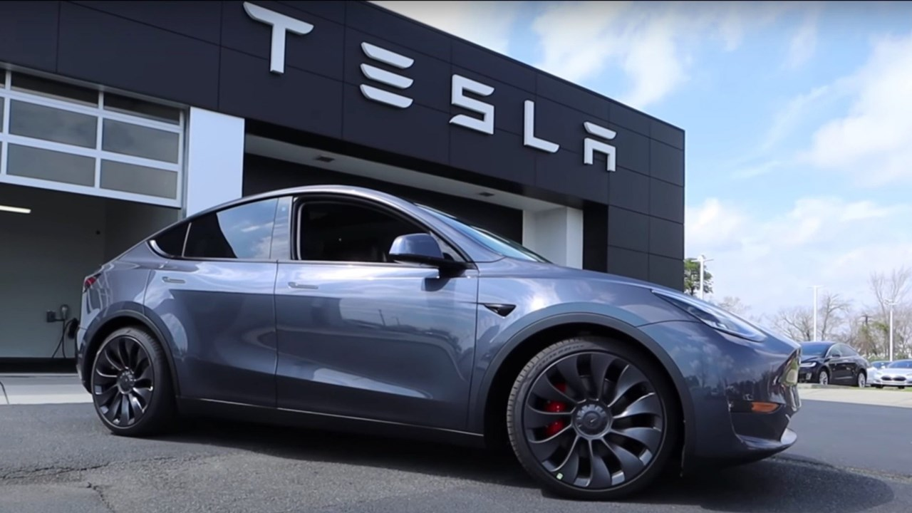 Cámaras de nuestros autos están inactivas fuera de Norteamérica: Tesla