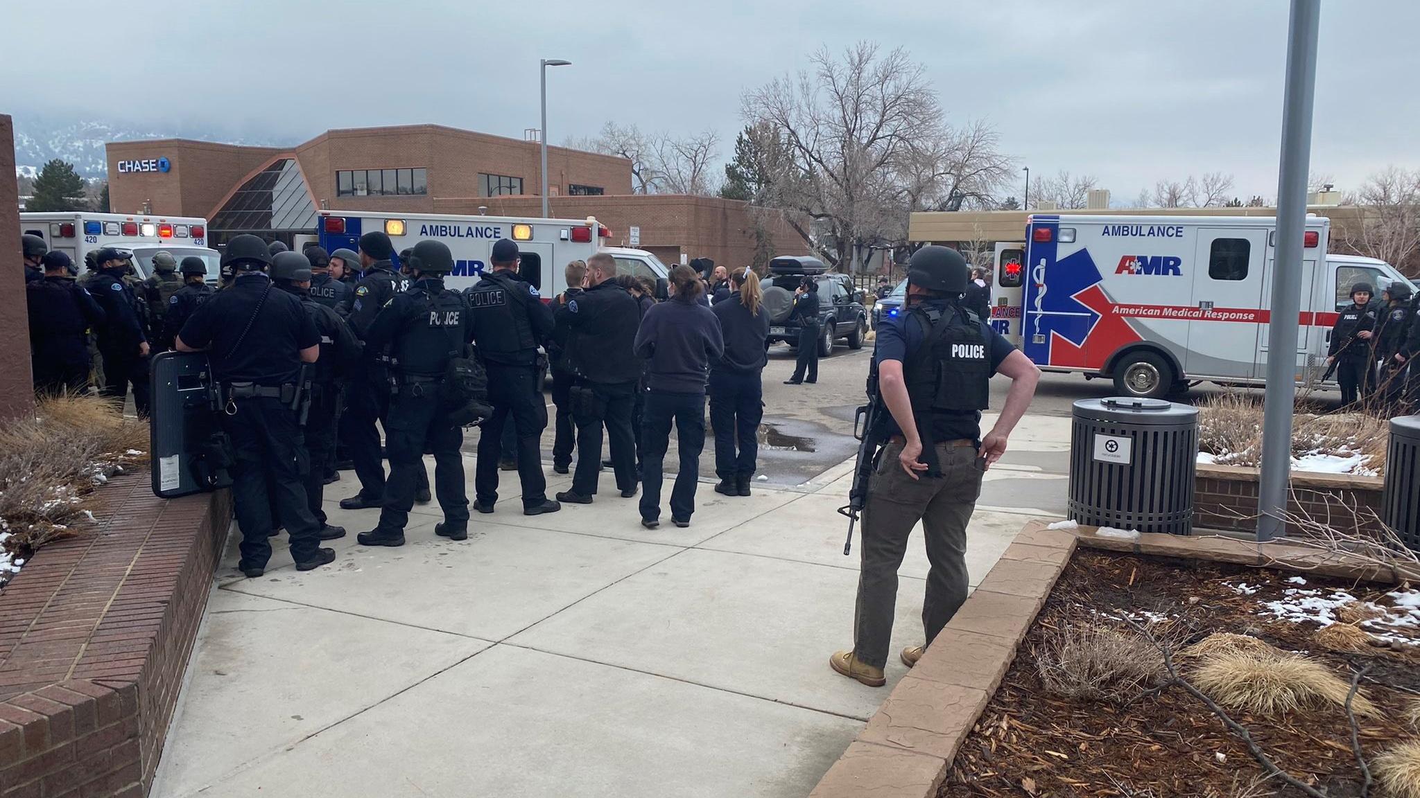 Tiroteo en supermercado de Colorado deja varios muertos