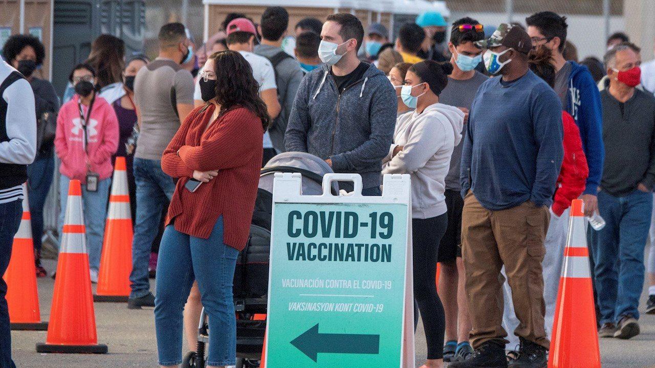 2 millones de mexicanos han ido a EU a vacunarse de Covid-19, estima Ssa
