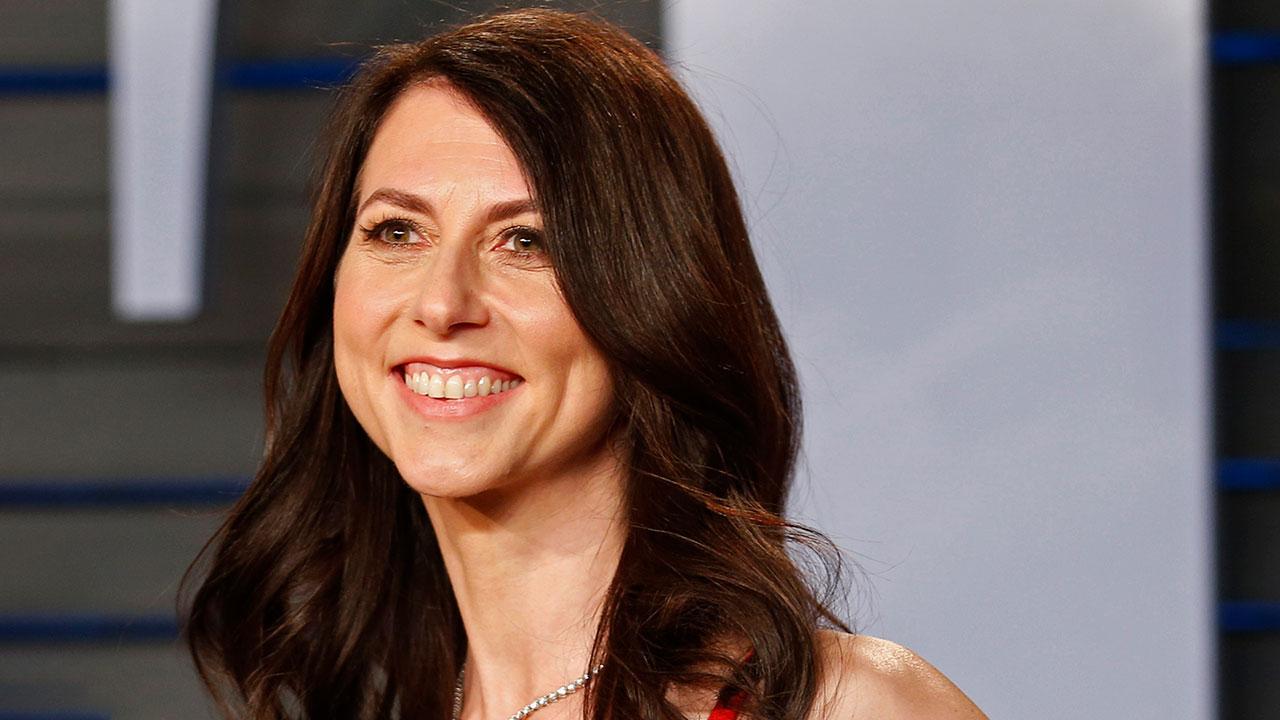 MacKenzie Scott, exesposa de Bezos, dona 2,740 mdd a causas filantrópicas