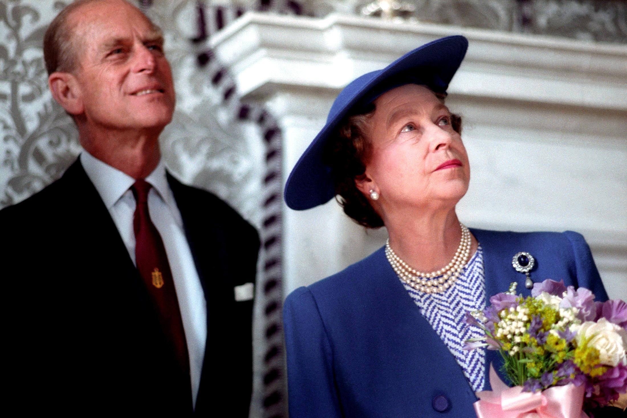Muere príncipe Felipe, esposo de reina Isabel II