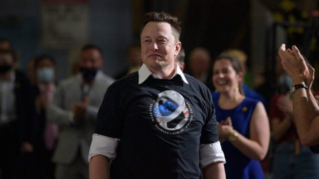 Rocket Elon: Cómo el excéntrico CEO de Tesla se convirtió en el segundo hombre más rico del mundo