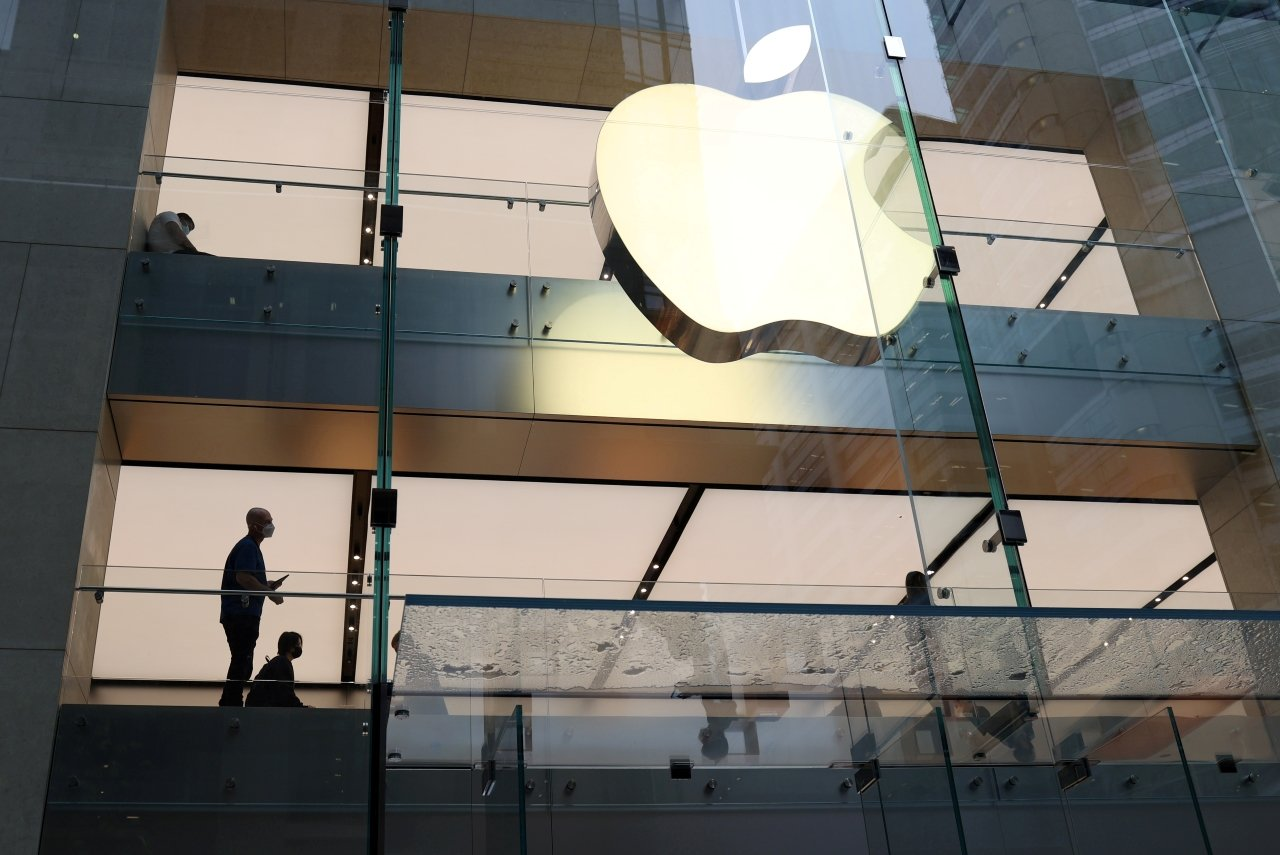 Apple supera expectativas y anuncia recompra de acciones por 90,000 mdd
