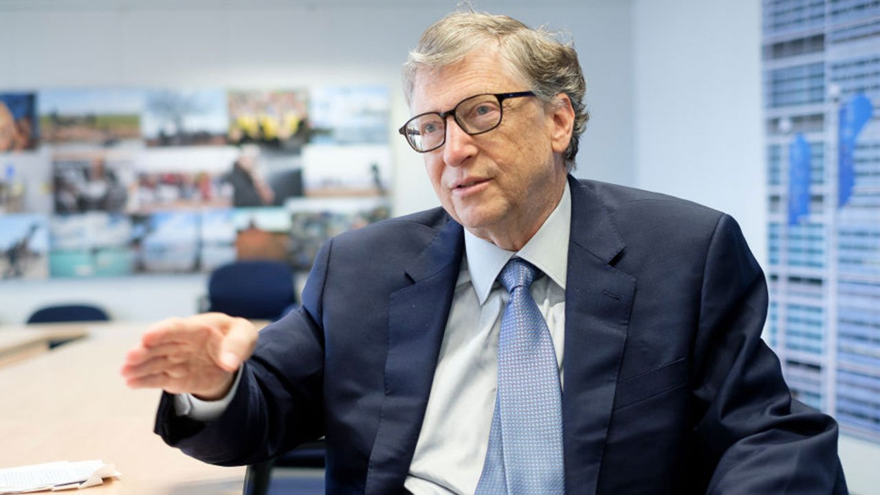 Bill Gates alerta que más gente morirá si países ricos no comparten vacunas