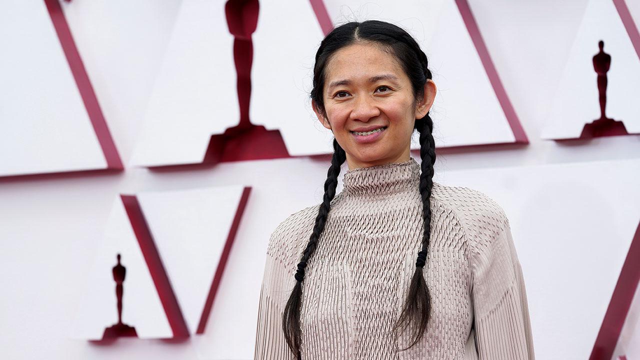 Chloé Zhao hace historia al ganar el Oscar a Mejor Dirección