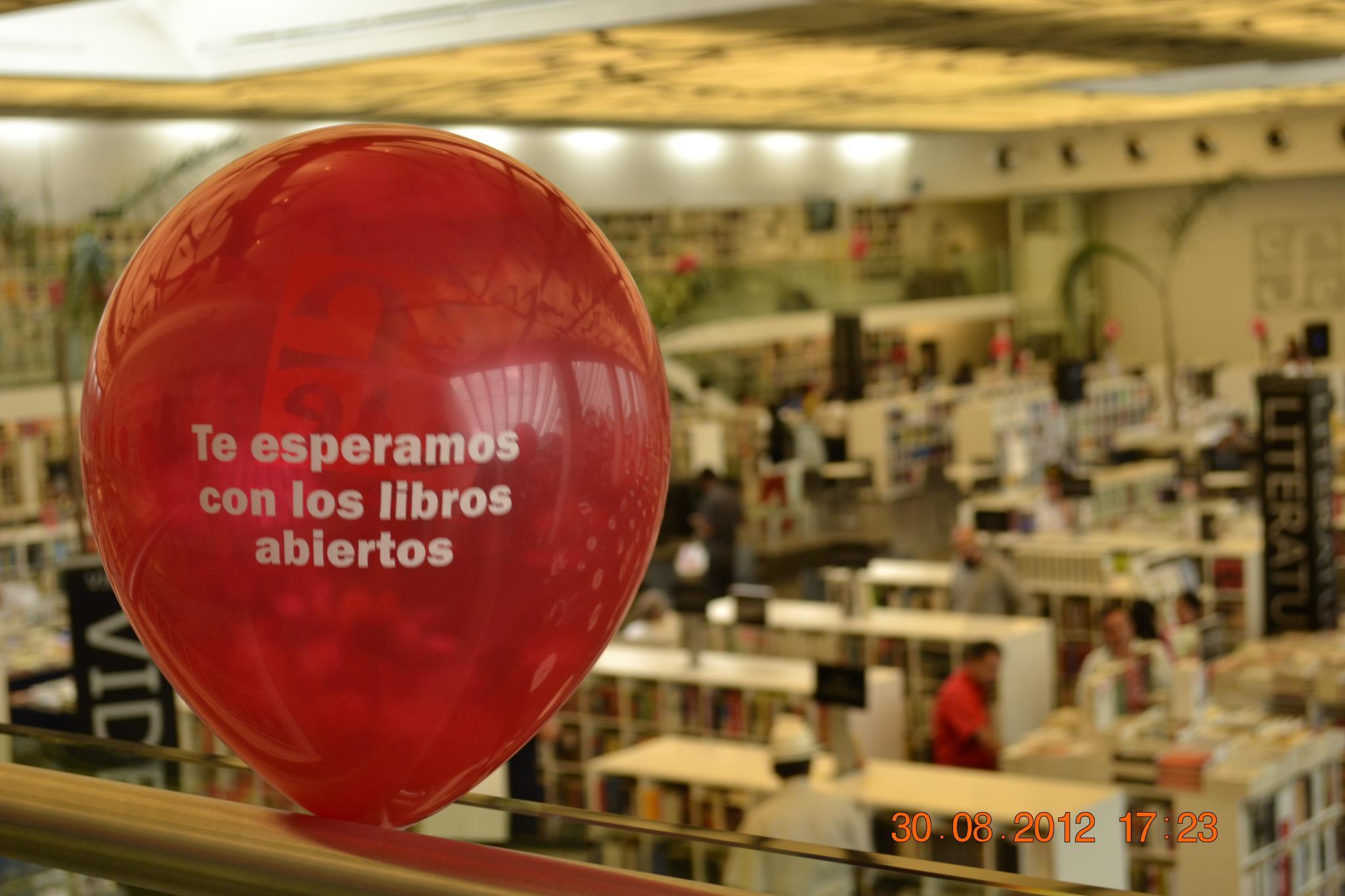 La pandemia de Covid-19 tira 44% la venta de libros del FCE
