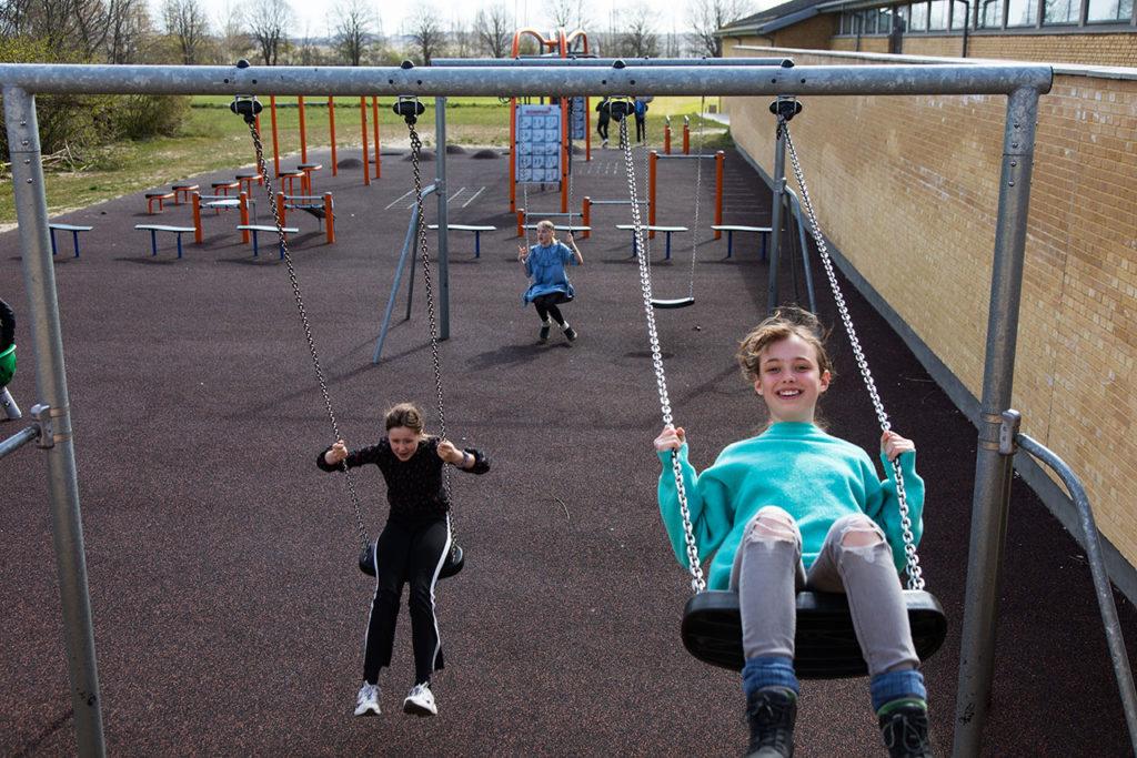 Niños Dinamarca First Day At School In Denmark After Coronavirus Closure