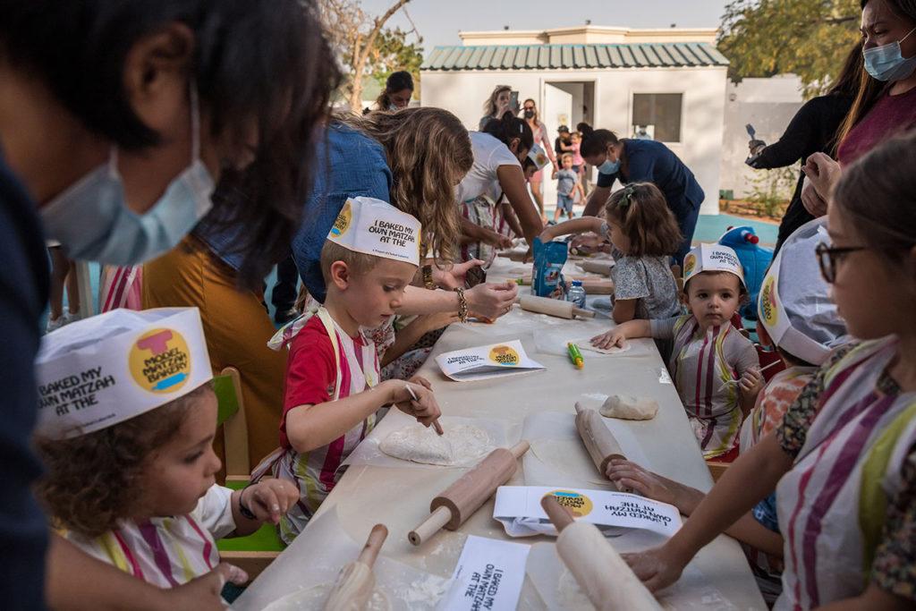 Niños Emiratos Arabes Dubai's Jewish Community Celebrates First Passover After Peace Deal