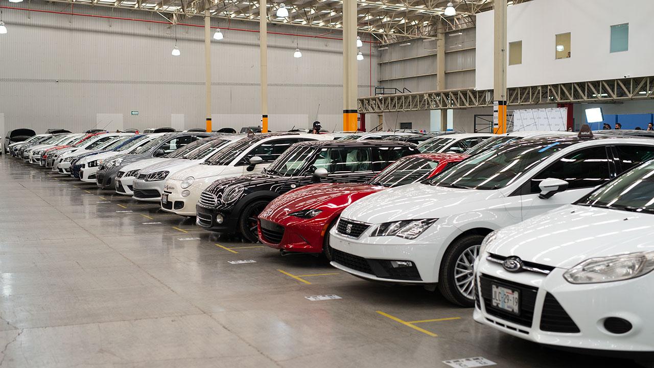 Kavak logra valuación de 8,700 mdd para arrasar en la compra-venta de autos usados