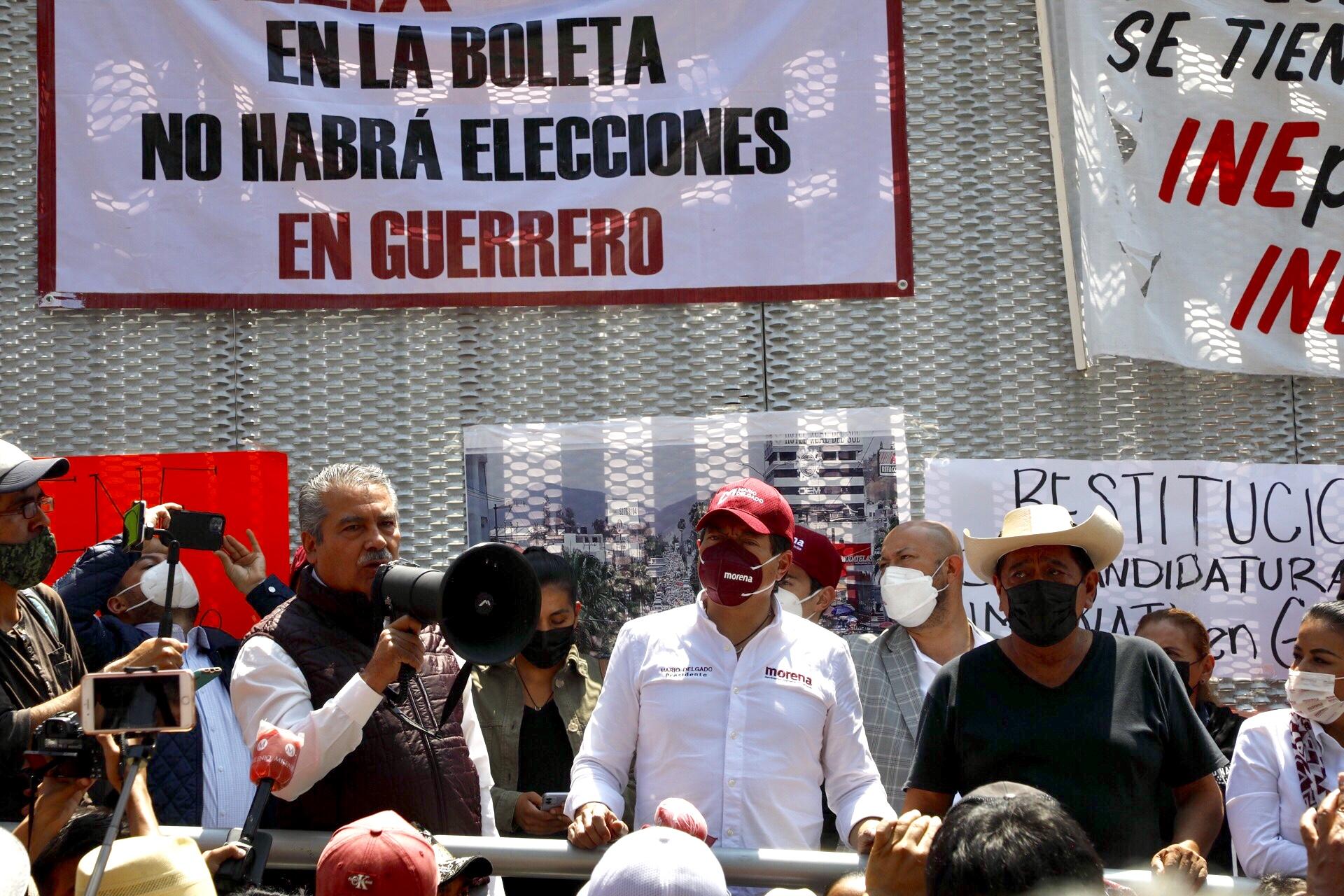 Oposición celebra retiro de candidaturas de Salgado y Morón