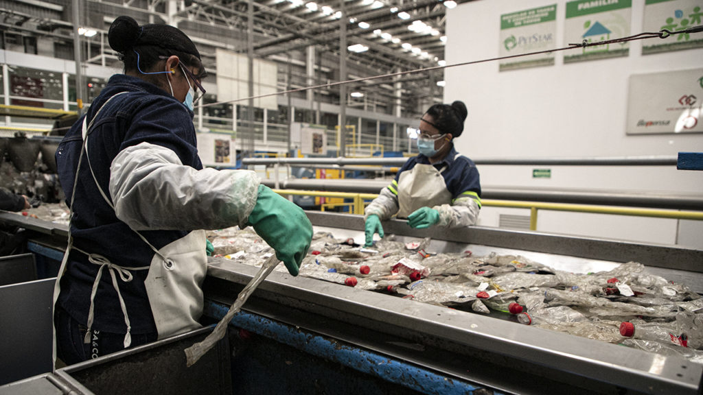 Petstar trabajadores